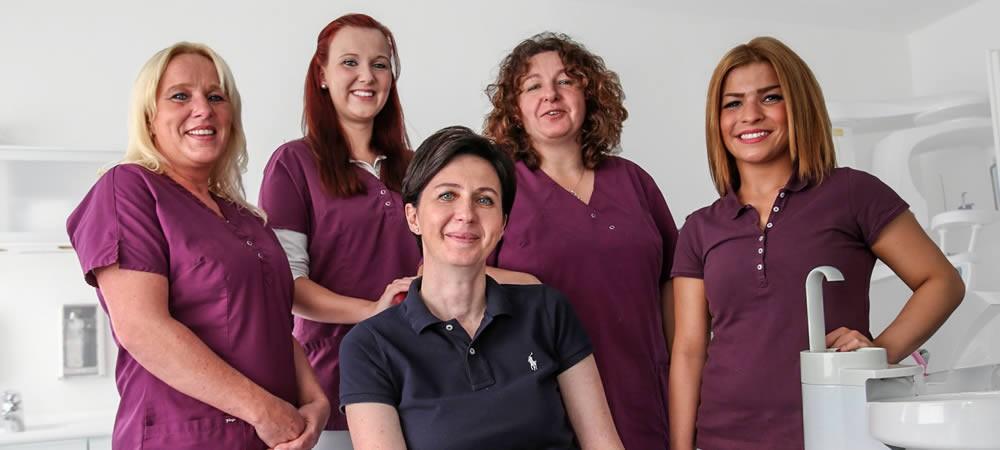 Das Team der Zahnarztpraxis Irene Herzel